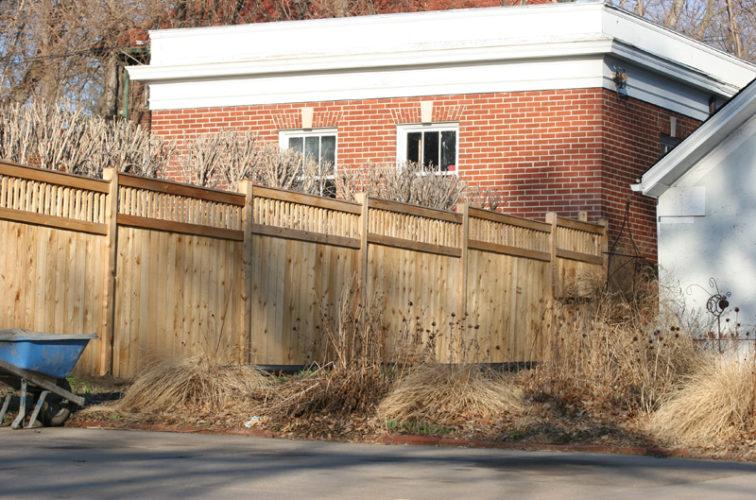AFC Cedar Rapids - Wood Fencing, 1045 Custom Dato