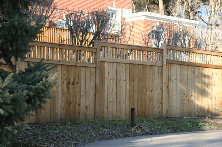 AFC Cedar Rapids - Wood Fencing, 1046 Custom Dato
