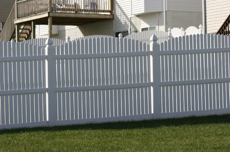 AFC Cedar Rapids - Vinyl Fencing, 561 Vinyl 6' overscallop picket