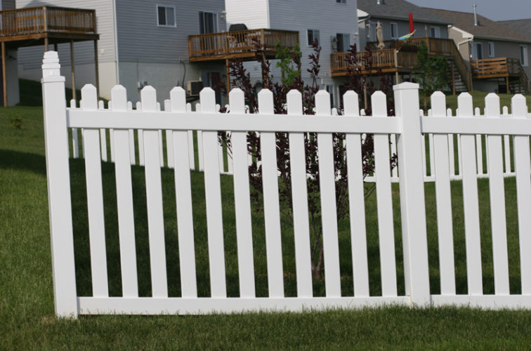 AFC Cedar Rapids - Vinyl Fencing, 4' Picket 564
