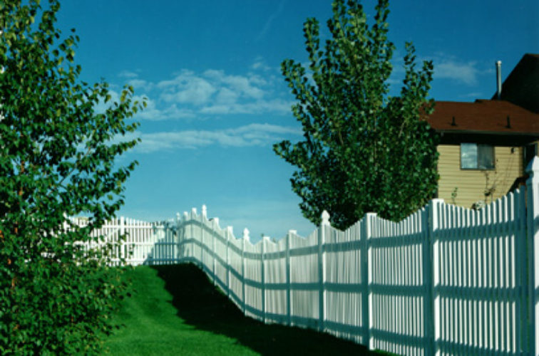 AFC Cedar Rapids - Vinyl Fencing, Underscallop Picket 565