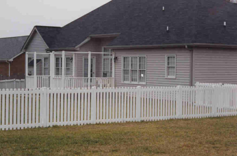 AFC Cedar Rapids - Vinyl Fencing, Picket 567