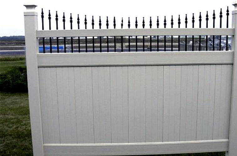 AFC Cedar Rapids - Vinyl Fencing, 568 Black & Tan Underscallop