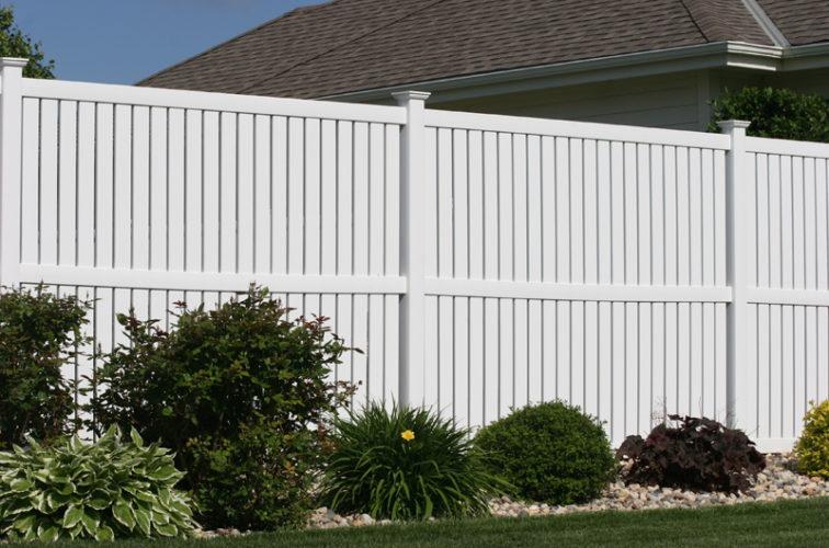 AFC Cedar Rapids - Vinyl Fencing, 6' alternating picket 570