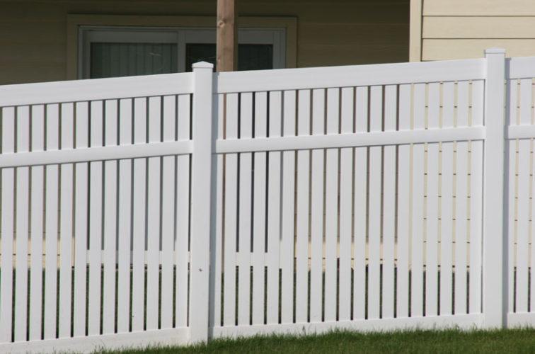 AFC Cedar Rapids - Vinyl Fencing, 6' alternating picket 571