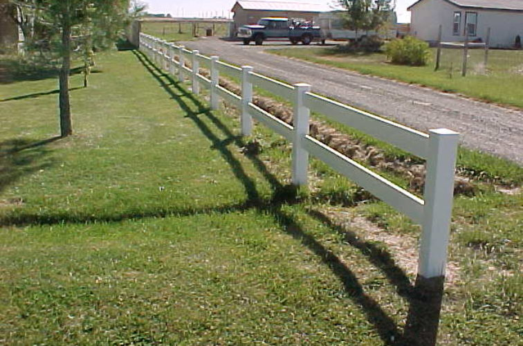 AFC Cedar Rapids - Vinyl Fencing, MVC-018S