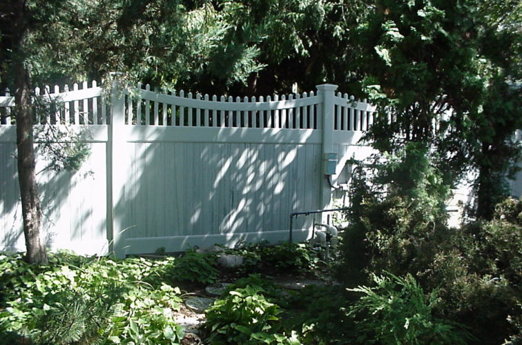 AFC Cedar Rapids - Vinyl Fencing, Privacy With Sloped Rail Picket Accent 704