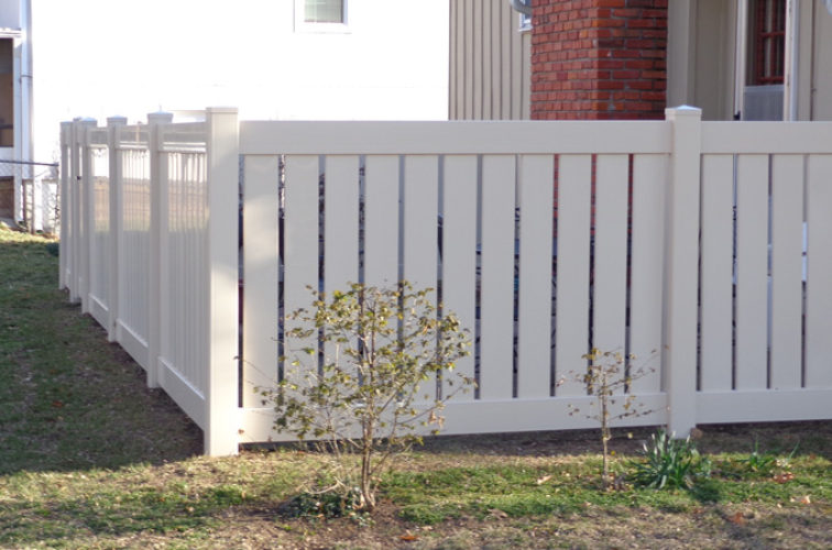 AFC Cedar Rapids - Vinyl Fencing, Vinyl Semi-Private - AFC-KC