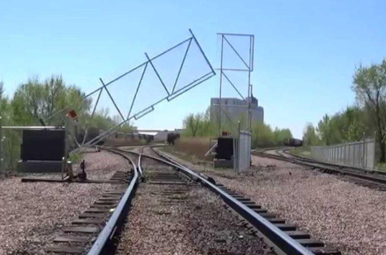 AFC Cedar Rapids - Vertical pivot lift gate