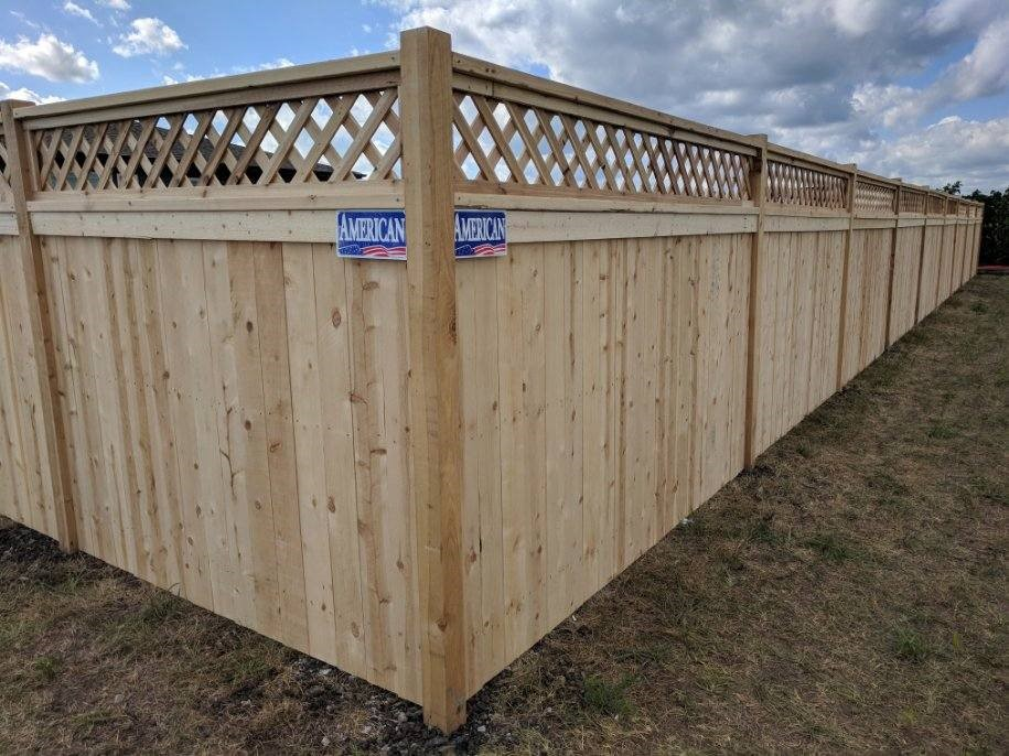 American Fence Company of Cedar Rapids solid privacy wood fence with lattice